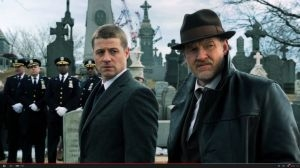 Bruce Wayne et James Gordon dans Gotham