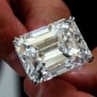 Sotheby's expose un diamant de 100 carats à Dubaï