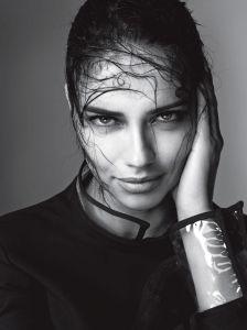 Marc Jacobs élit Adriana Lima pour être son égérie