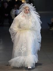 Les défilés haute couture auront bientôt lieu à Paris © ALAIN JOCARD /AFP