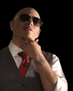 Le rappeur Pitbull présente le tube Don't Stop the Party