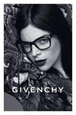 Julia Restoin Roitfeld : la nouvelle égérie de Givenchy