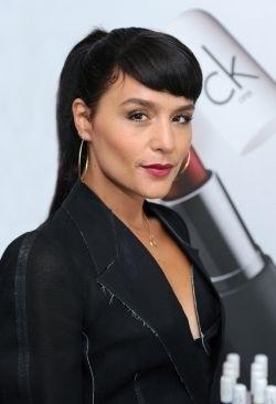 Jessie Ware : le nouveau visage de Calvin Klein