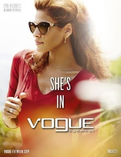 Eva Mendes : ambassadrice de Vogue Eyewear
