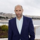 Mark Strong en cavale pour Grimsby