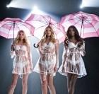 Victoria's Secret : une nouvelle campagne avec des parapluies !