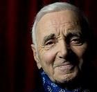Le chanteur Charles Aznavour s'amuse encore !