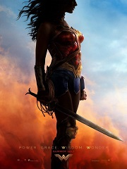 Gal Gadot en super-héroïne dans le film « Wonder Woman » © Warner Bros Entertainment Inc. All Rights Reserved