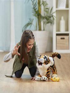 Jouets pour Noel, l achat de plus d une peluche interactive pour les enfants