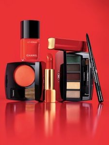 Chanel lance Numeros Rouges, une collection de maquillage axee sur le rouge