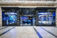 Constructeur Peugeot, les technologies de la marque francaise devoilees a Paris