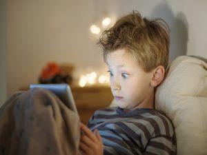 Ecrans interdits aux enfants, le CSA fait des rappels aux parents