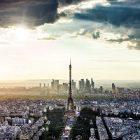 La Tour Eiffel a été construite en 1889 à Paris