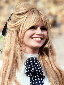 Statue de Brigitte Bardot a Saint Tropez pour feter les 83 ans de la star