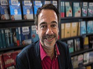 Ecrivain Michel Bussi : le romancier francais a ecrit plusieurs livres