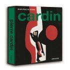 Pierre Cardin mis à l'honneur dans un livre portant son nom