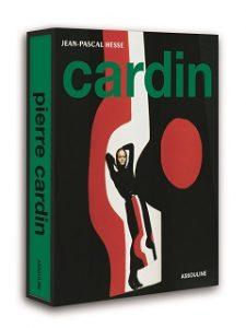Livre Pierre Cardin, un ouvrage centre sur le couturier francais