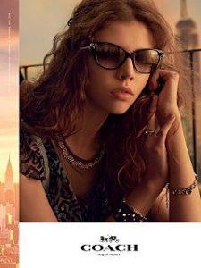 Coach, la marque de luxe devoile la campagne de sa collection avec Lea Julian