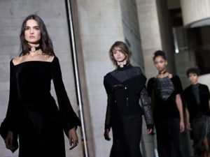 Collection de vetements de Roland Mouret et de la maison Delpozo a Londres