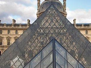 Musee du Louvre, site touristique prefere parmi les musees parisiens