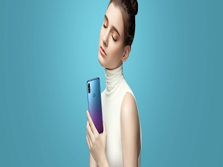 Motorola P30, les versions du smartphone ressemblent a leurs concurrents