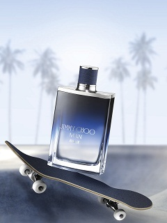 Man Blue de Jimmy Choo : Marlon Teixeira incarne la campagne du parfum