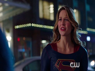 Supergirl: Warner Bros et DC Comics produiront un film sur cette super heroine
