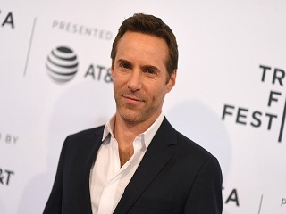 The Many Saints of Newark : Alessandro Nivola au casting du film d Alan Taylor
