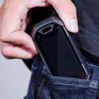 « Atom » : le smartphone miniature d'Unihertz