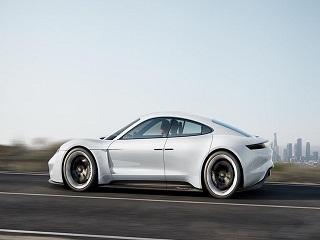 Audi : E Tron GT, la voiture electrique du constructeur allemand a un trailer