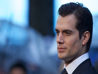 The Witcher avec Henry Cavill, une serie adaptee d un jeu video de Lauren Schmidt Hissrich