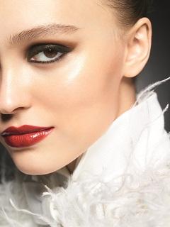Lilly Rose Depp, Chanel l a choisi comme egerie de son maquillage maximalisme