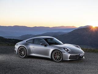 Porsche 911, voiture de sport avec Wet Mode et aides a la conduite