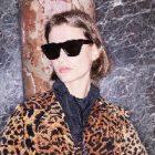 La chanteuse pop Victoria Beckham collabore avec Marchon Eyewear