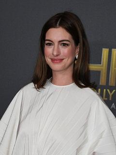 Sesame Street de Jonathan Krisel : Anne Hathaway rejoindrait le casting du film