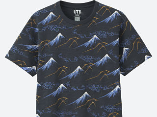Uniqlo, ligne de T shirts et sweats Hokusai Blue en hommage a Katsushika Hokusai