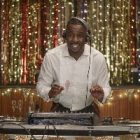 Idris Elba incarnera un DJ dans « Turn Up Charlie »