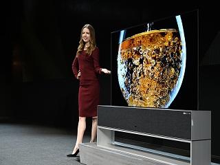 LG : la tele pliable a ecran OLED de la marque mesure 65 pouces