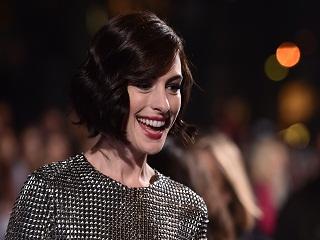Sacrees Sorcieres, Anne Hathaway dans le film de Robert Zemeckis pour Warner Bros.