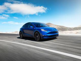 Tesla Model Y, SUV avec conduite autonome du constructeur americain