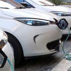 Voitures électriques : les ventes s'envolent en France!