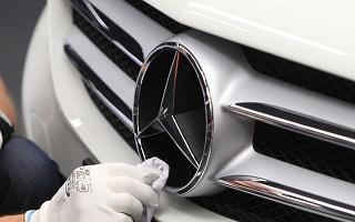 Automobile mercedes, abandon des moteurs a energie fossile pour la neutralite carbone