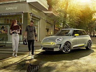 Mini 100 electrique, voiture roulant a l electricite de la marque british