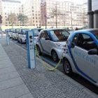 Recharge pour véhicule électrique : la marque au Losange s'investit