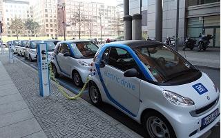 recharge de vehicule electrique, Renault et E Totem deploient des bornes electriques