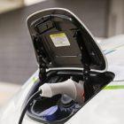 Automobile électrique : bientôt des bornes de recharge bidirectionnelles