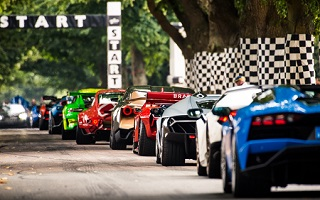 Festival of speed a Goodwood, les supercars menacent le record de vitesse de la piste