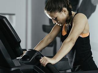 Dysmenorrhee et exercice physique, le tapis roulant contre les regles douloureuses