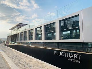 Fluctuart, un nouveau musee d art urbain sur un bateau a Paris