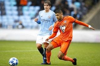 Football : Hamza Rafia : le meneur de jeu signera avec l Olympique Lyonnais avant de rejoindre la Juventus FC